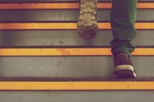 0023-tow-vehicle-steps-unsplash